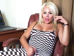 Voluptuouis shemale in bodystocking stroking her hard snake