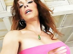 Dirty TMILF Jasmine takes a long piss