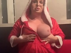 Wendy's Crhistmas cum and jingles her balls and tits all the way